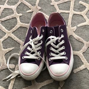 Converse Shoes - Almost brand new wore twice maybe converse low top
